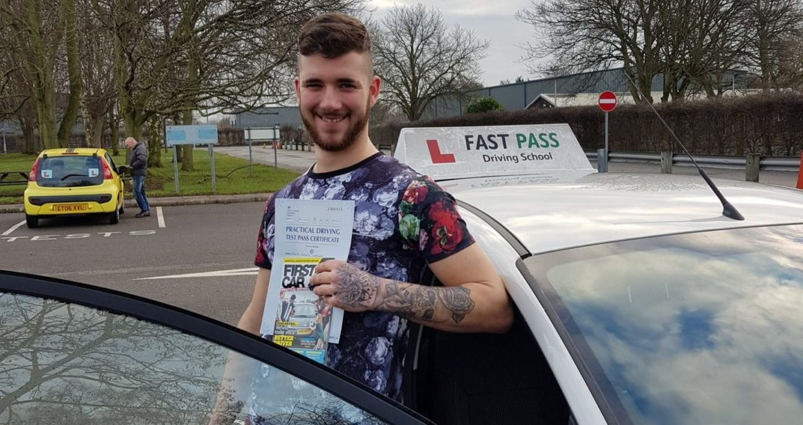 Congratulations to Callum Wheeldon who passed his driving test FIRST time with Fast Pass Driving School Derby!